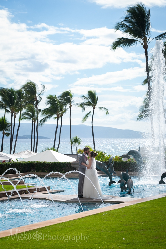 Grand Wailea Resort is one of the most popular wedding venues on the island of Maui.  Maui Photographer, Mieko Horikoshi capture beautiful wedding photography in this gallery.  マウイ日本人写真家が撮影するグランドワイレアリゾートのマウイウェディング。